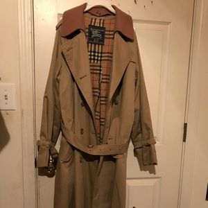 VINTAGE WOMENS BURBERRY TRENCH COAT SIZE 16